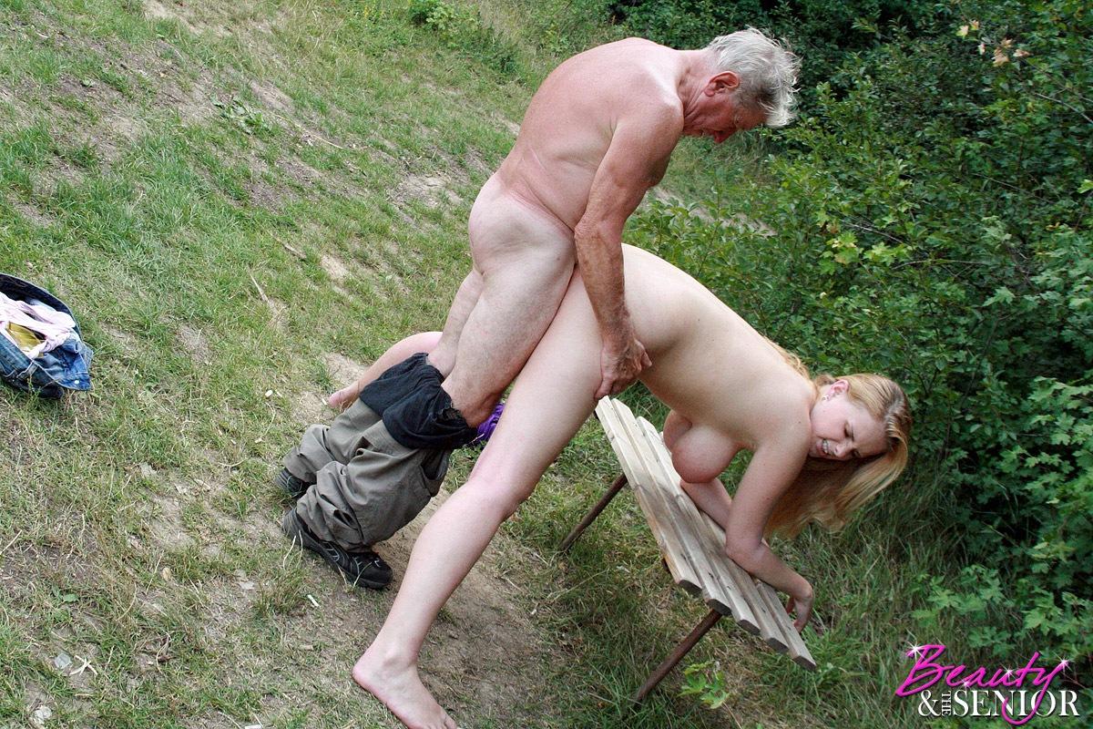 Старичок и молодуха секс 16 фотография