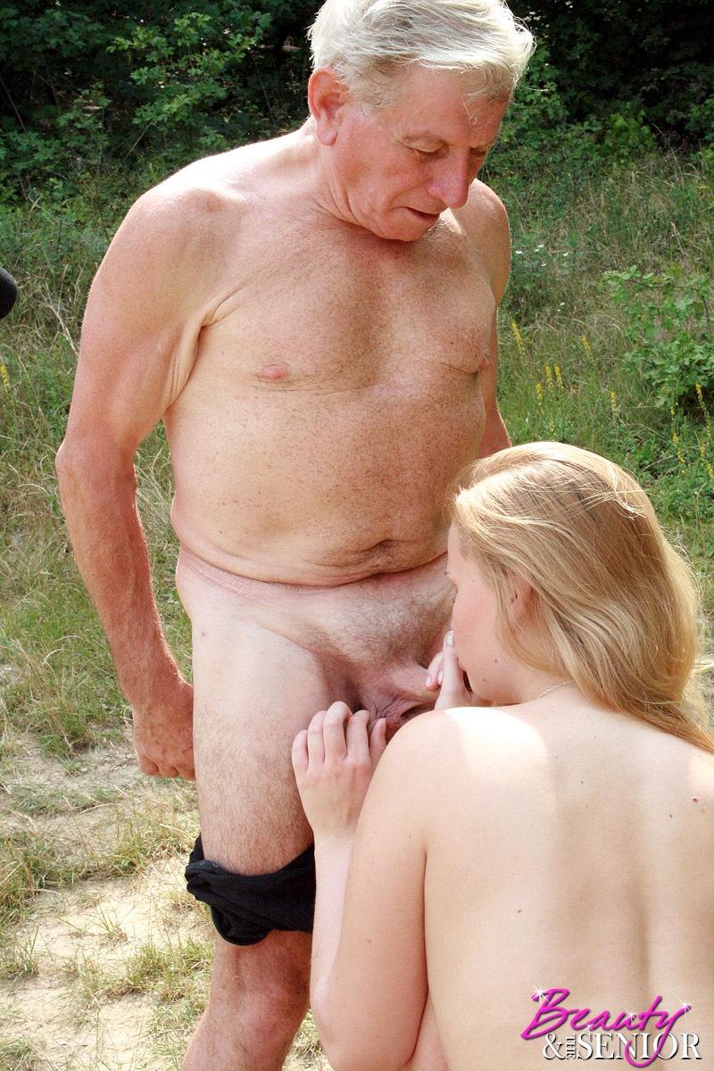 которого стоит член не онлайн с секс дедом у пожилым