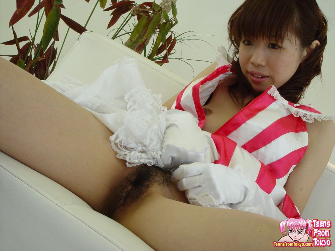 Asian Girl Loves White Cock