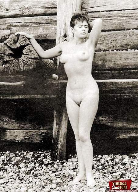 Vintage nude girls