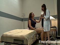 Anal Prescription spanking and sex : Chloe Reece pays a visit to the hospital to have her sprained wrist looked at. She gets into trouble with Dr. Dana DeArmond who makes her suffer with spanking and sex strap-on ass fucking for being a flirt. Then Mark Wood joins in for an all anal kinky threesome.