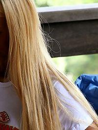Long haired blonde fisting her brunette girlfriend