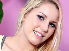 Gorgeous Vanessa Cage Loves Her Facial