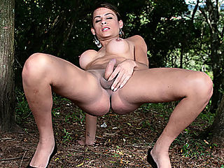 Beautiful Tranny Kamila Rubs Her Penis