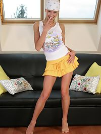 Hanna - Bandanna Hanna : Cutie in bandanna strips and dildos slick quim on couch