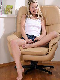 Miriam - Miriams magic : Cute teen spreads and fucks a gold vibrator in armchair