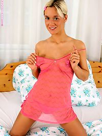 Karie - Carrot For Karie : Tempting teen cutie nudes and bangs carrot dildo in bed