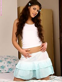 Francesca - Midday Fun : Alluring brunette seductively nudes and dildos moist twat