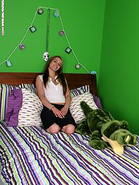 Ginny - Adult Toy : Lusty teen shyly gets naked and dildos pink pussy in bed
