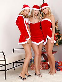 Cayenne Katerina and Sharon : Hot blondes nude and strapon fuck in Christmas threesome