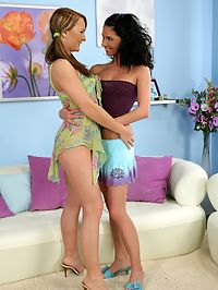Jessica and Fiva - Hot lesbians dildo butts and lick