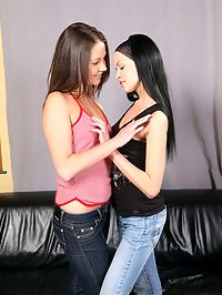 Angellina and Dulce - Slender cuties deeply finger quims