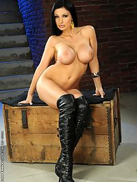 Busty pornstar babe Aletta Ocean dildoing herself