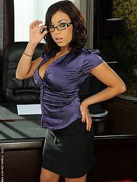 Brunette babe Sanish in hardcore DP anal scene
