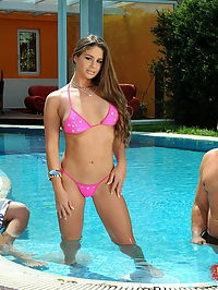 Teen gal in hardcore DP action at the swimmingpool