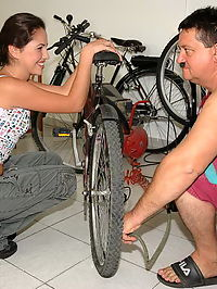 Mr Repairman fixing teen pussy and bicycle