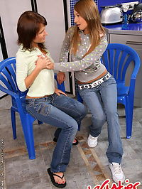 Two realy hot teengirl dildoing each others ass