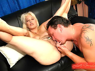 Sexy blonde grandma gets a cock what she deserves