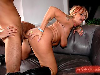Kinky grandma Karola gets fresh cock into her ass