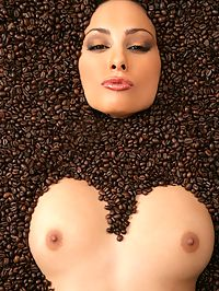 Naughty Aneta Keys gets naked to drink her cup of coffee