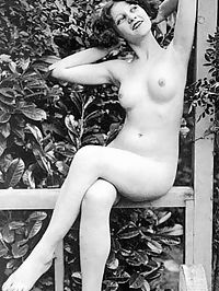 Several sexy vintage chicks posing naked during the twenties