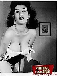 Some very hot busty naked vintage babe from the fifties