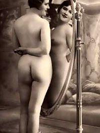 Vintage horny girls love posing naked backwards in thirties
