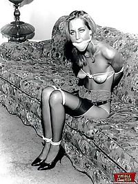 Some real vintage bondage sexy chicks fully naked pictures