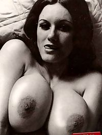 Busty natural vintage girls showing their fine big goodies