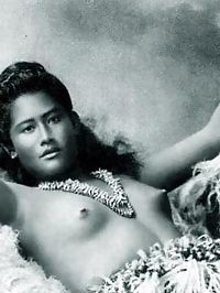 Ethnic vintage ladies showing their cute natural bodies