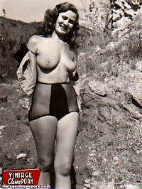 Sexy vintage ladies showing their nude body in the open