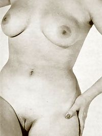 Wild wifves from the fifties with a freshly shaved slit