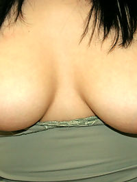 These euro sex pots are doin a little hide the cock and switcharoo in these hot pics
