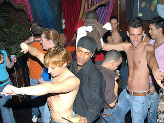Steamy hot papi club action in these insanely crazy party pics