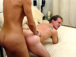 Older blonde tranny plays the dominant role for once