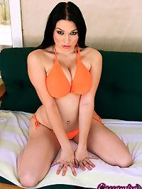 Cassandra enjoys vibrator : Horny busty Cassandra Calogera enjoying a vibrator