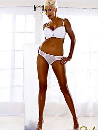 Angelic hottie Puma Swede : Gorgeous nude Puma Swede masturbating with vibrator