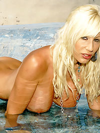 Puma Swede nude in Mexico : Puma Swede frolicking nude outdoors down in Mexico