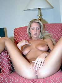 Sexy Sammie tittie fucked : Sexy blonde Sammie gets tittie fucked and facialed