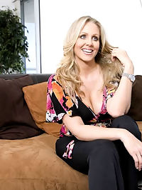 Not only is Julia Ann an experienced to the boots MILF.. she incredibly hot. Shes got boobs to die for and a body thats just itching and asking to be fucked.