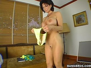 the second guy had the privilege of eating her out and in return Deauxma gives him a blowjob as well