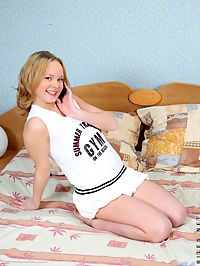 Hot chick natalia spreads her legs wide open and flaunts her curvy body