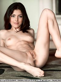 DIVINA AFANTASY by PETER GUZMAN : Divina loves to show us her sexy nude body.