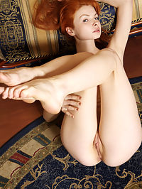 NATALIA ASUCCESS by VORONIN : Red head with red fur down below has a light body and her own retro fashion sense.