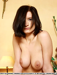ALINA HENERTIAN by VORONIN : Prissy little Russian princess is very shy and does not really know how sexy she is.