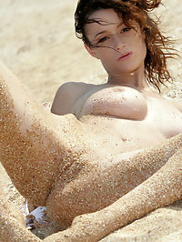 NASTYA IFILLIS by ALAN ANAR : Nastya goes seaside as she rolls in the waves and sand getting wet and dirty.Watch where the sand ends up.