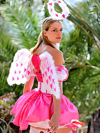 Danielle plays cupid
