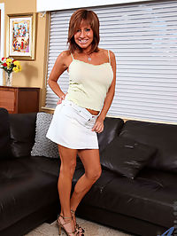 Anilos.com Taraholiday - Brunette cougar proudly displays her big tits as she plays with her trusty vibrator : Brunette cougar proudly displays her big tits as she plays with her trusty vibrator