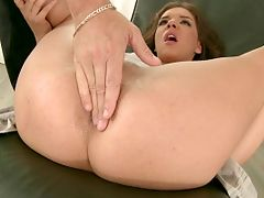 Very hot skinny and curly Henessy gor anal massage