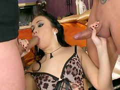 Brunette slut Nilla takes 2 cocks at the same time